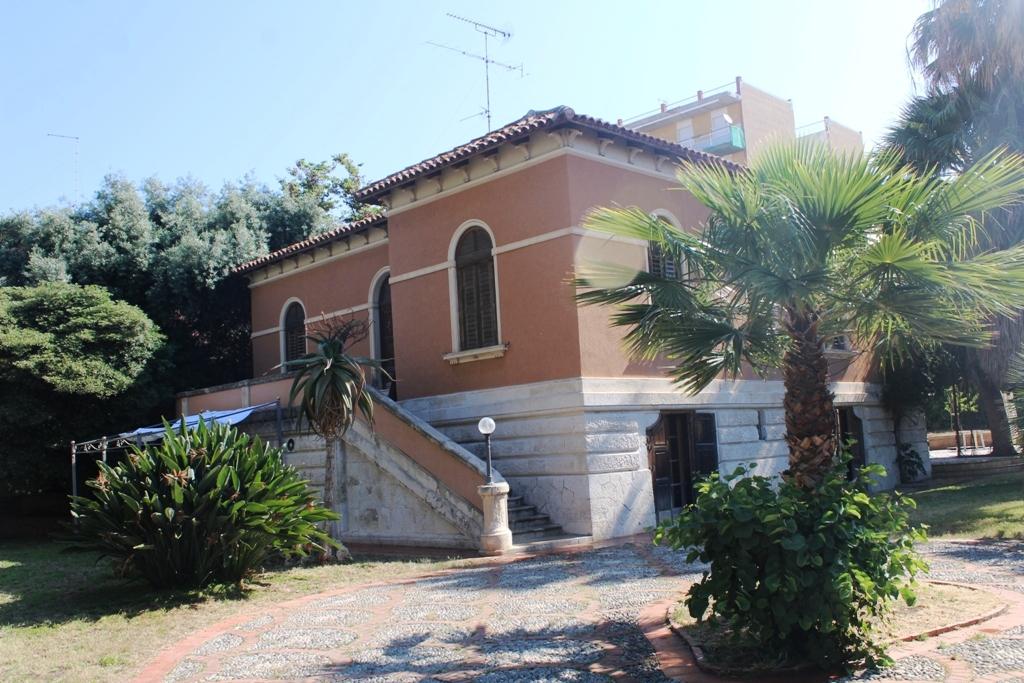 Caratteristica villa in centro città