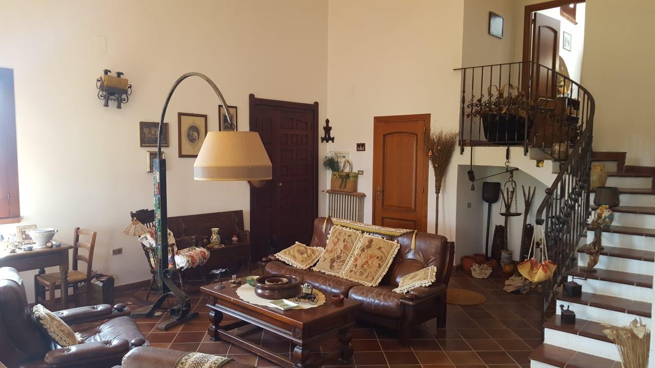 Elegante villa zona Isola